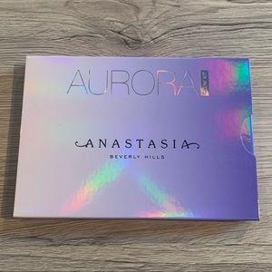 Brand New Anastasia Beverly Hills Aurora Glow Kit